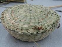 Round rush lidded basket